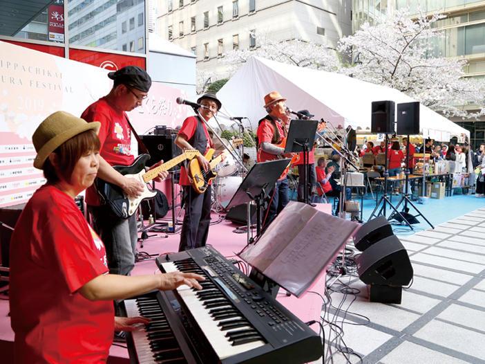 都心の風景が淡いピンク色に染まる<br>「日八会さくら祭り」開催!